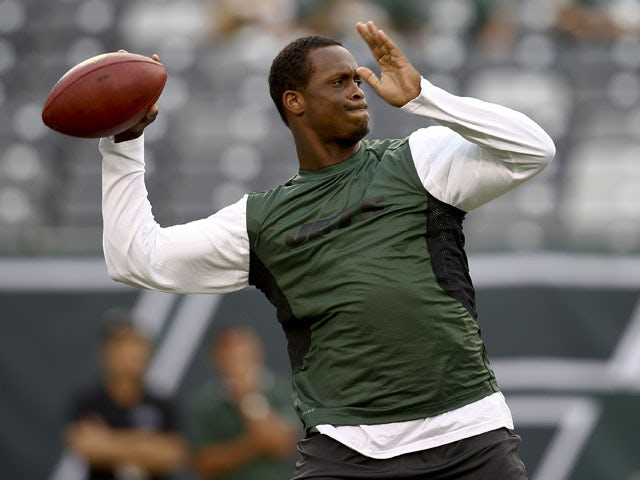 Geno Smith #7 of the New York Jets warms up before their preseason game against the Jacksonville Jaguars at MetLife Stadium on August 17, 2013