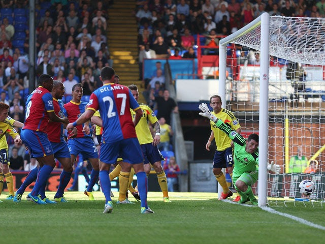 Result: Palace beat 10-man Sunderland