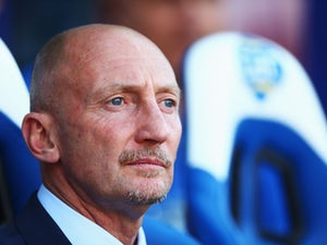 Holloway sorry after scolding QPR fans