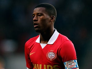 PSV stay top with comfortable win