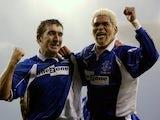 Abel Xavier celebrates an Everton goal with Alan Stubbs.