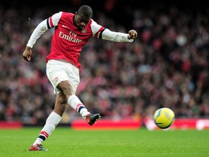 Diaby's Arsenal return delayed