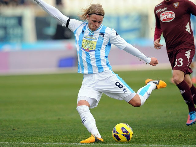 Birkir Bjarnason of Pescara in action during the Serie A match between Pescara and Torino FC at Adriatico Stadium on January 20, 2013