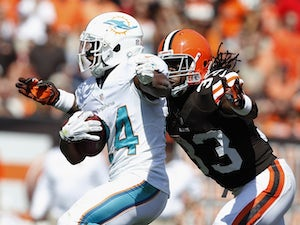 Dolphins place Patterson, Stanford on IR