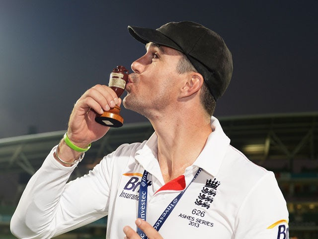 Kevin Pietersen of England kisses the urn after England won the Ashes during day five of the 5th Investec Ashes Test match between England and Australia at the Kia Oval on August 25, 2013