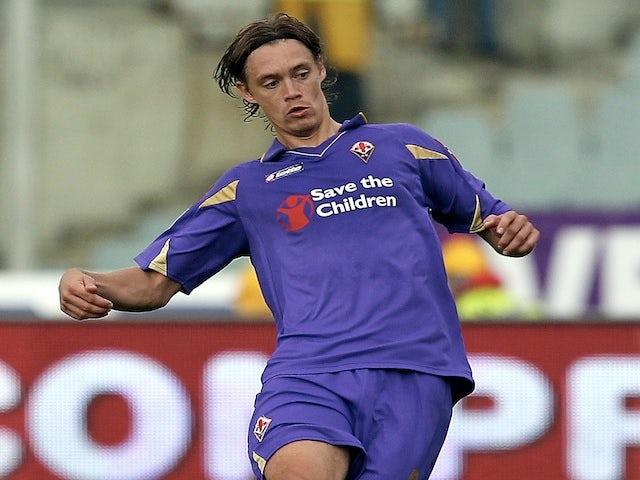 Fiorentina's Per Kroldrup in action against Chievo on November 7, 2010