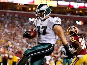 Philadelphia's TE Brent Celek celebrates a touchdown against Washington on September 9, 2013