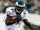 Eagles WR Jason Avant carries the ball against Carolina on August 15, 2013