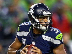 Wilson guides Seahawks into eight-point lead