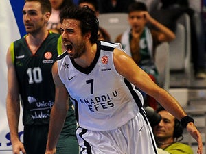 Clippers sign Vujacic