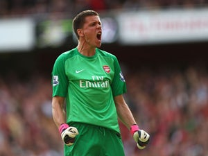 Report: Arsenal planning Szczesny contract talks