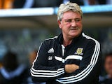 Steve Bruce the Hull City manager looks on prior to kickoff during the Barclays Premier League match between Hull City and West Ham United at KC Stadium on September 28, 2013