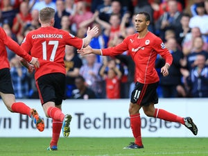Stoke confirm Odemwingie-Jones deal