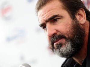Cantona backs Bath City community buyout