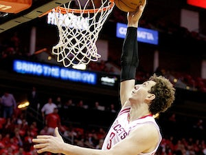 McHale: 'Asik, Smith getting closer to return'