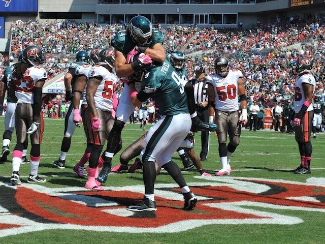 Result: Foles stars as Eagles crush Raiders