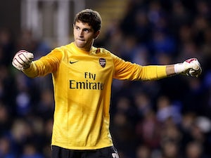Wednesday snap up Arsenal keeper