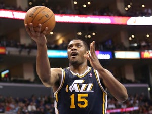 Favors extends Jazz contract