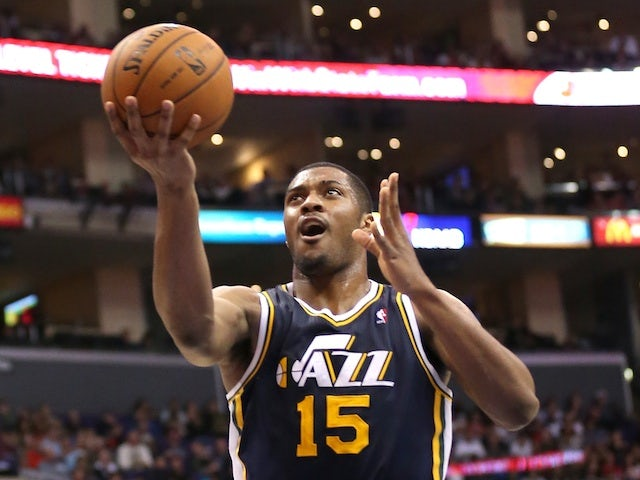 Result: Hayward leads Jazz to victory