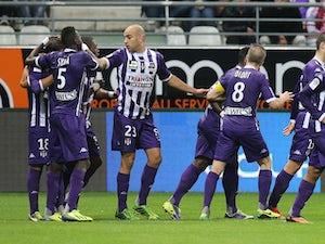 Coupe de la Ligue roundup: Toulouse survive scare to advance