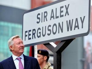 Ferguson hails 'magnificent' Van der Sar