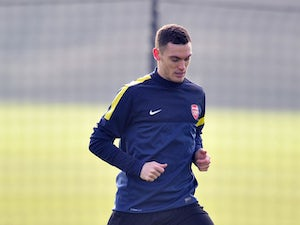 Parlour expects Arsenal to let Vermaelen go