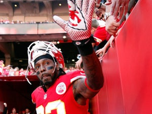 Report: Bowe to sit out with concussion