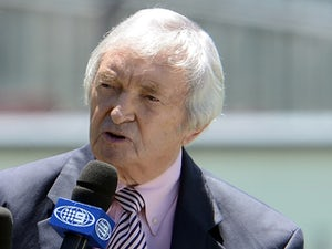 Benaud recovering in hospital following crash
