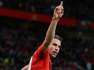 Team News: Van Persie starts for much-changed Man United