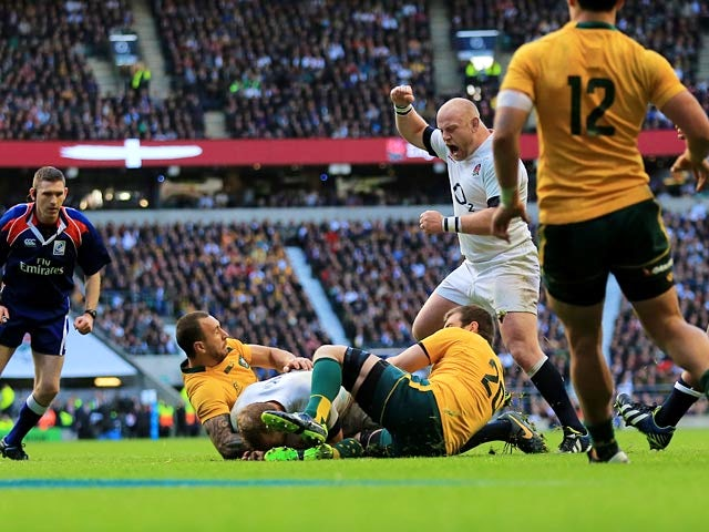 England's Chris Robshaw crosses the tryline to score his team's opening try against Australia on November 2, 2013