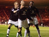 Celebrating with Ryan Giggs and Eric Djemba-Djemba at Middlesbrough in early 2005. Fletcher scored his first United goal that evening.