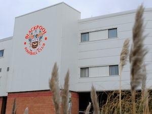 Freddy Adu undergoes Blackpool trial