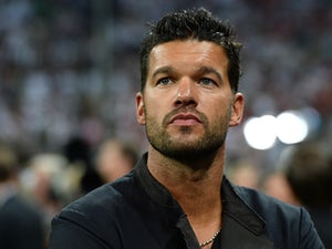 Ballack tips Ronaldo for Real Madrid stay