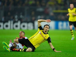 Neven Subotic returns to Dortmund training