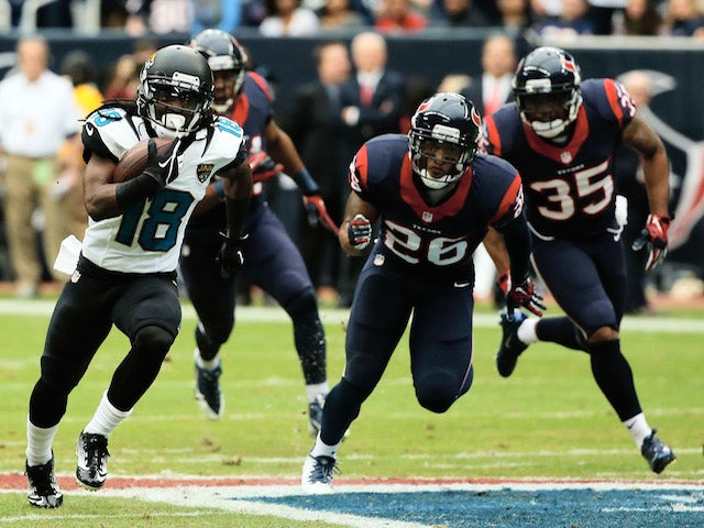 Ace Sanders of the Jacksonville Jaguars runs for a long gain in the first half of the game against the Houston Texans at Reliant Stadium on November 24, 2013