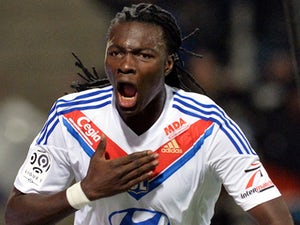 Bafetimbi Gomis could stay at Lyon