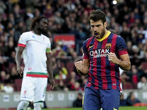 United 'renew interest in Barca's Fabregas'