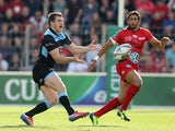 Mark Bennett of Glasgow passes the ball during the Heineken Cup Pool 2 match between Toulon and Glasgow Warriors at the Felix Mayol Stadium on October 13, 2013