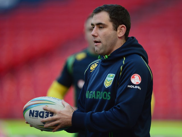 Cameron Smith of Australia warms up during an Australia Captain's Run at Wembley Stadium on November 22, 2013