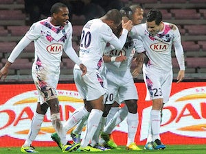 Coupe de France roundup: Late goal sees holders through