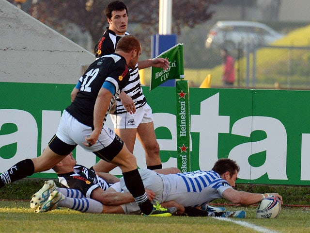 Saracens' Chris Wyles scores a try against Zebre during their Heineken Cup match on December 7, 2013
