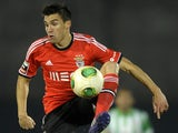 Benfica's Argentinian midfielder Nicolas Gaitan controls the ball during the Portuguese league football match Rio Ave vs Benfica at the Arcos stadium in Vila do Conde on December 1, 2013