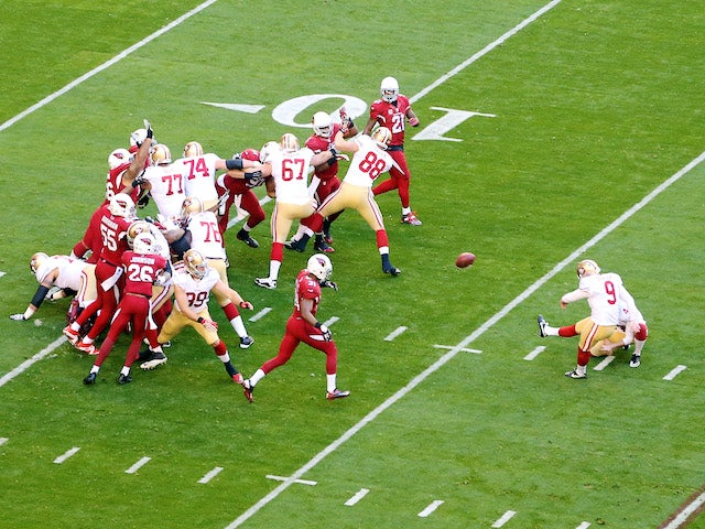 Phil Dawson of the San Francisco 49ers kicks a 27 yard field goal in the first quarter against the Arizona Cardinals during a game on December 29, 2013