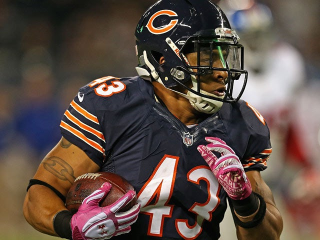 Chicago Bears' Tony Fiammetta in action against New York Giants on October 10, 2013