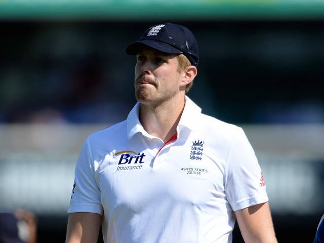 Boyd Rankin of England leaves the field for the econd time after picking up a injury during day one of the Fifth Ashes Test match between Australia and England at Sydney Cricket Ground on January 3, 2014