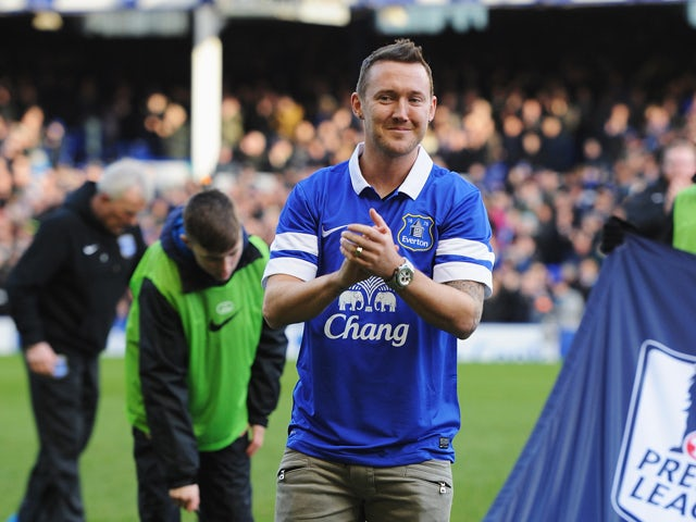 New Everton signing Aiden McGeady applauds the fans prior to the Barclays Premier League match between Everton and Norwich City at Goodison Park on January 11, 2014