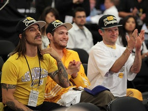Chili Peppers: 'NFL made us fake performance'