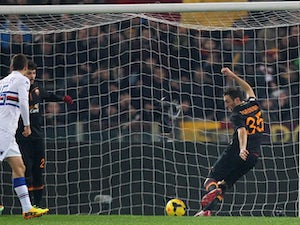 Roma come from behind to beat Udinese