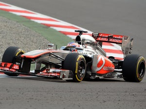 Button pays tribute to late father on helmet