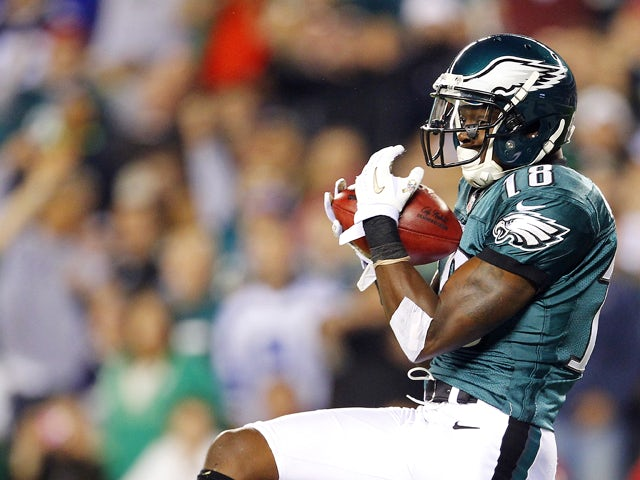 Wide receiver Jeremy Maclin #18 of the Philadelphia Eagles catches a 40 yard touchdown pass during the third quarter in a game at Lincoln Financial Field on November 11, 2012